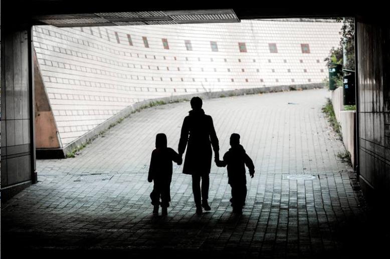 """""""Älä anna lapsesi periä käsittelemättömiä tunnehaavojasi"""" – terapiaohjaaja antaa elämän tärkeimmän ohjeen vanhemmille, Helsingin Uutiset 2.7.2017"""