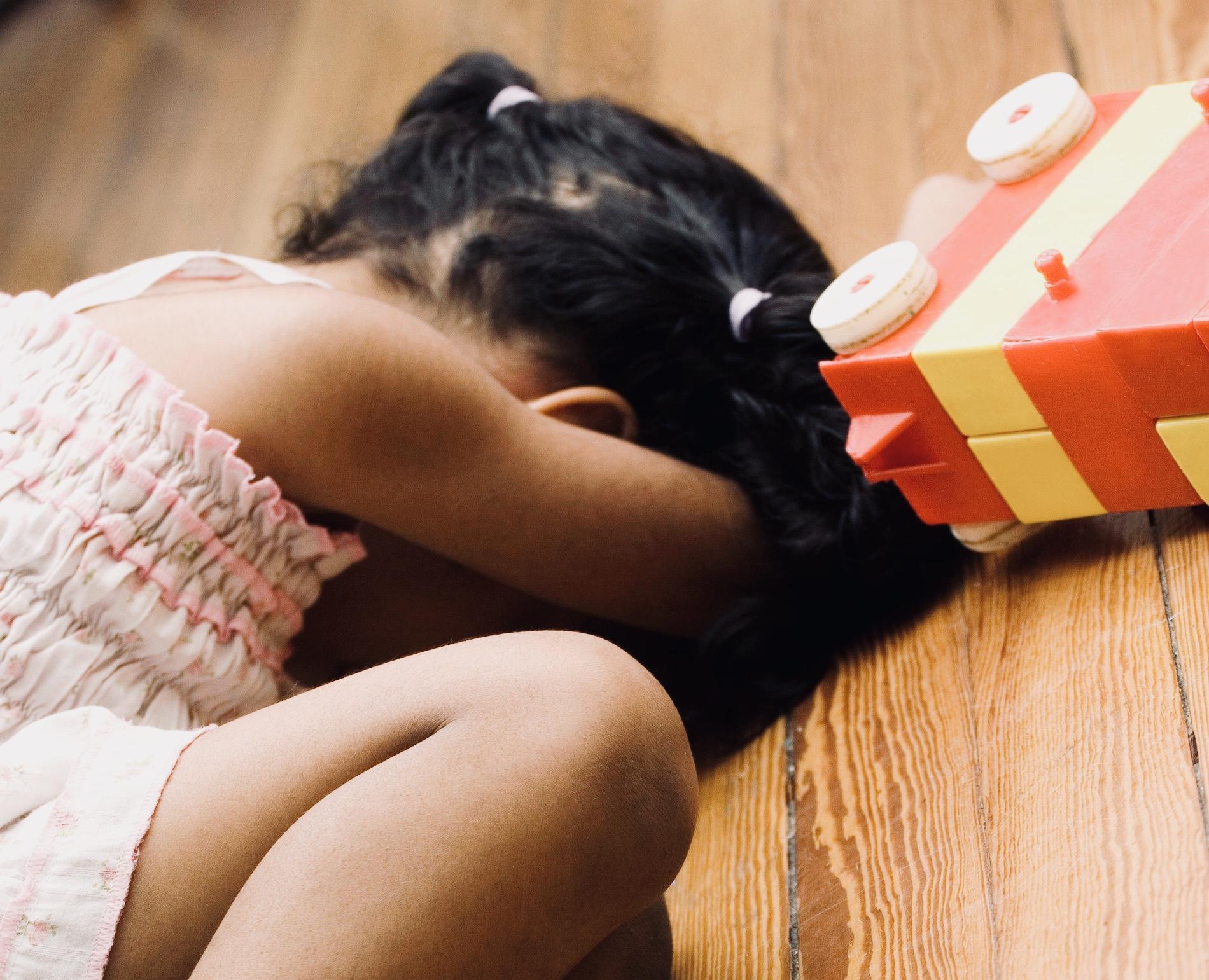 Emotionaalinen turvattomuus astuu paikalle kun lapsen kokemus mitätöidään